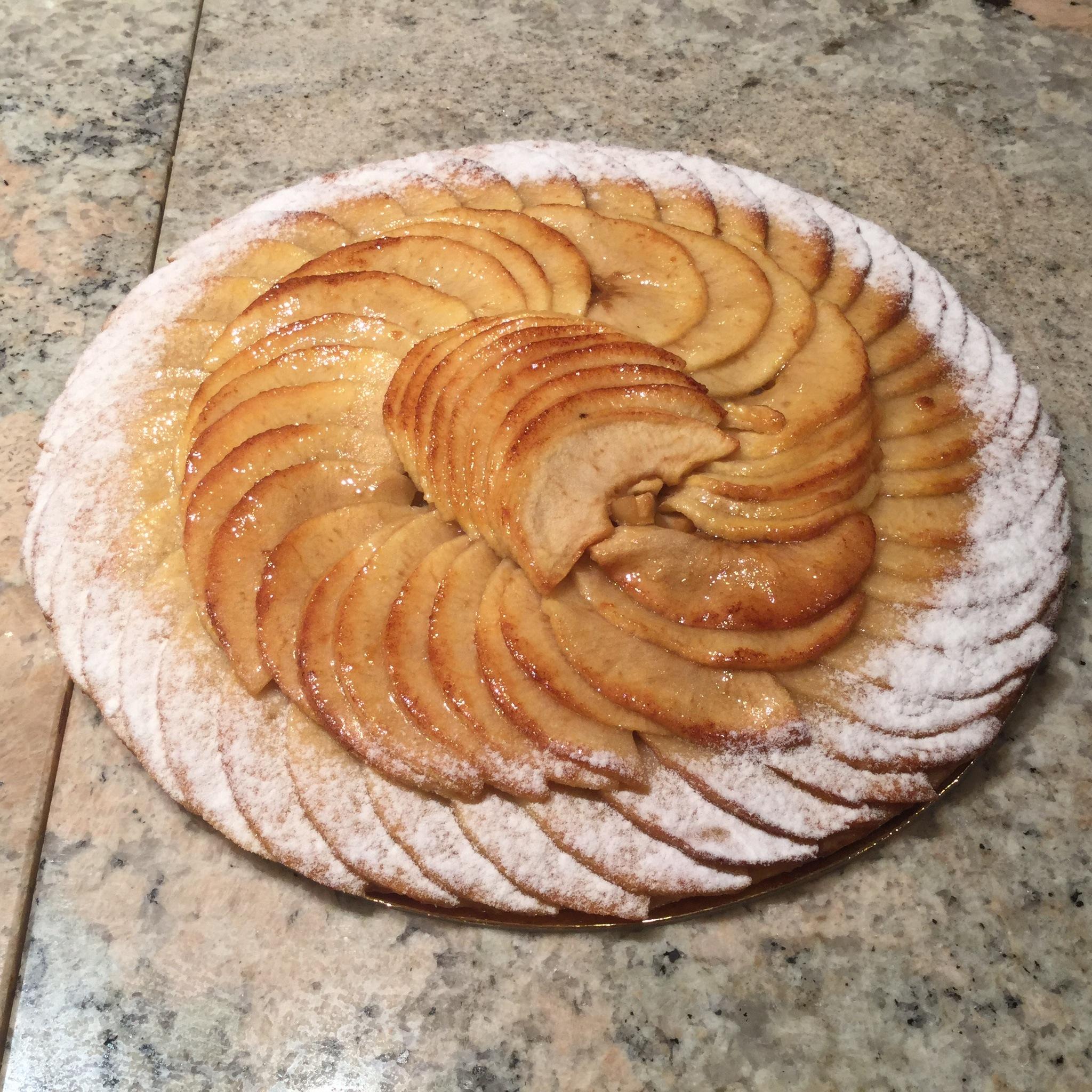 Tarte aux pommes patisserie maison braissand meribel